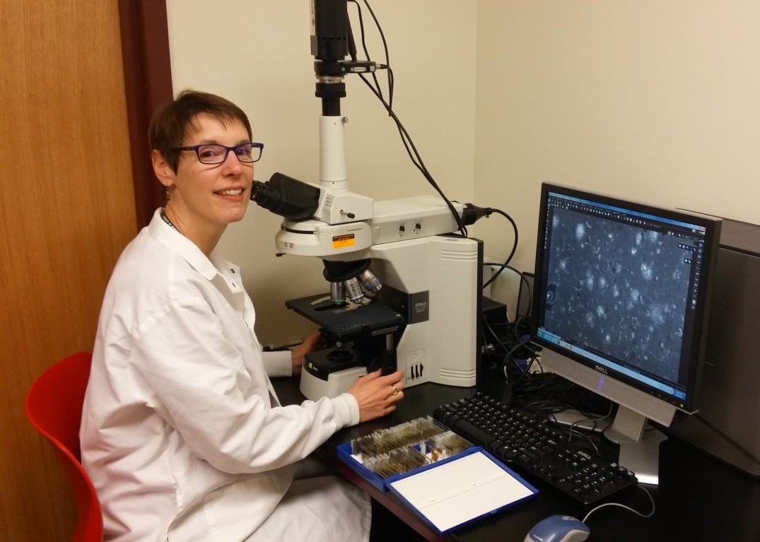 Aurelie_Microscope_DU research grant.jpg